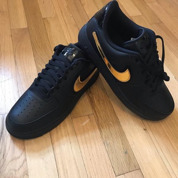 size 40 e3bef b55cf NIB all black Nike Air Force 1 removable swoosh NWT